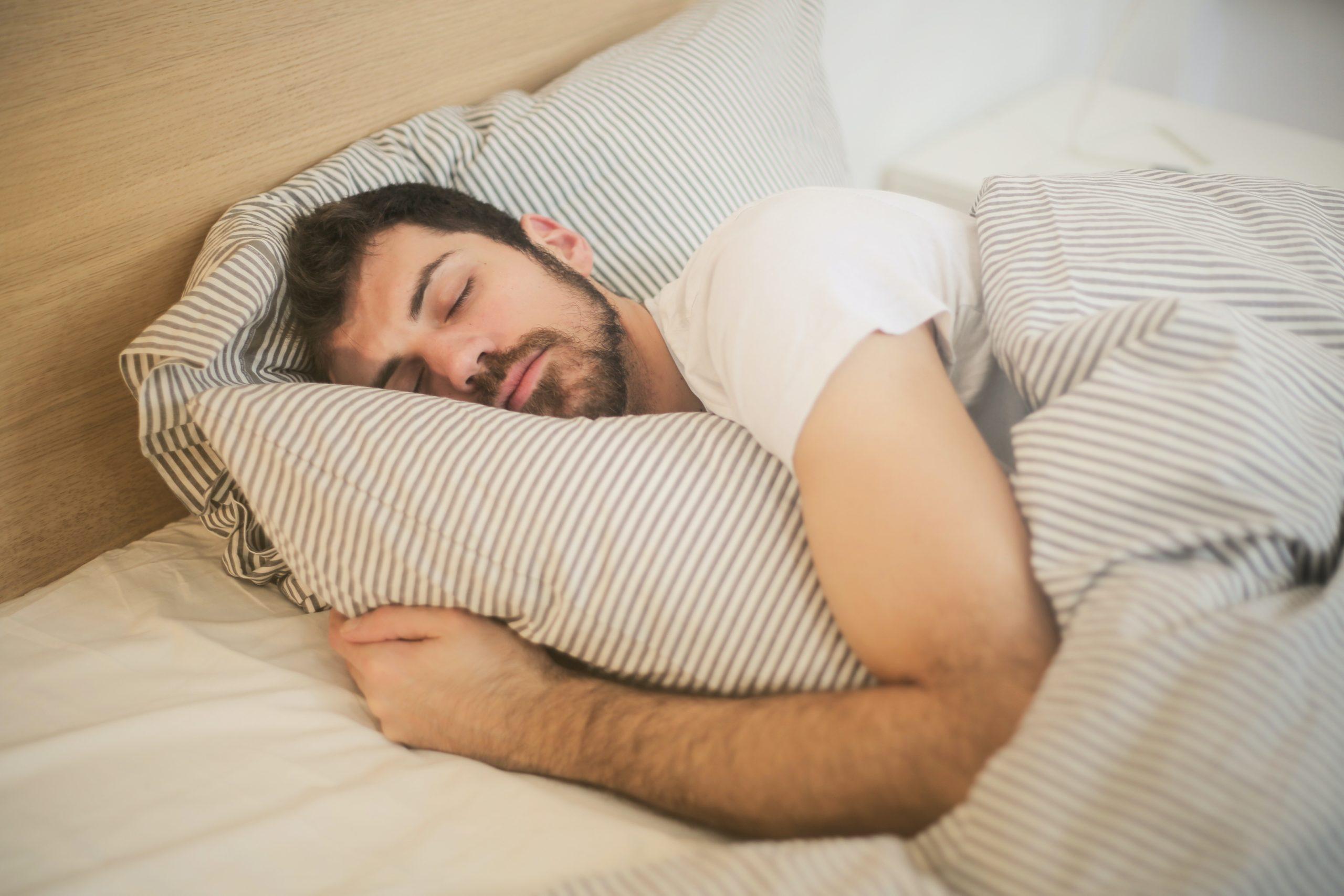 Les couvertures lestées : un nouvel outil pour lutter contre les troubles du sommeil ?